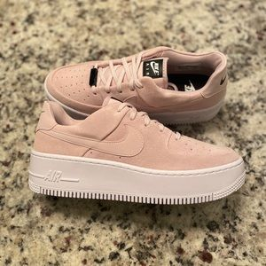 Nike Women's Air Force 1 Sage Low Barely Rose Pink